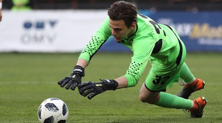 Седмият във Висшата лига със сериозен интерес към вратар на Славия