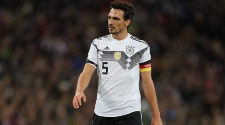 Официално: Хумелс се завърна в Дортмунд