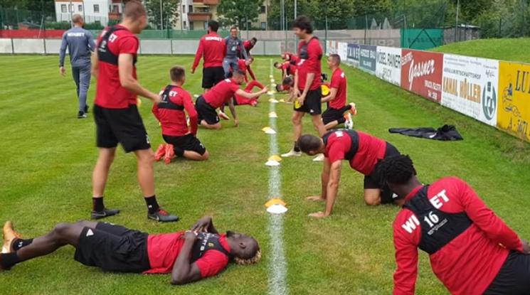 Червените тренират в настроение на лагера в Австрия (видео)