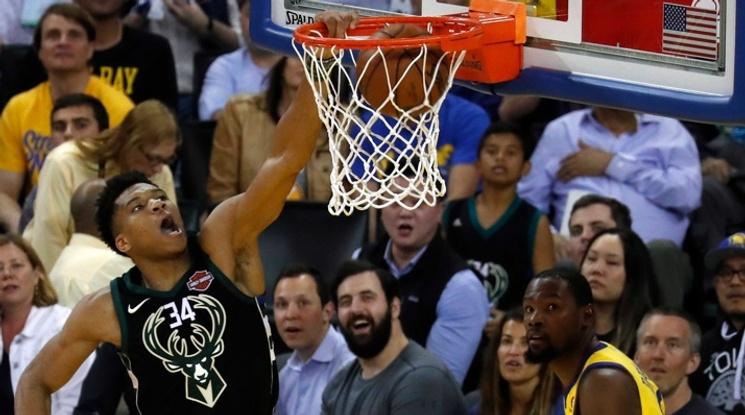 Янис Адетокумбо е MVP на сезона в НБА