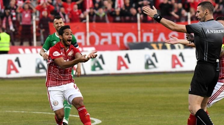 Български рефери ще ръководят полуфинал на Европейското до 21