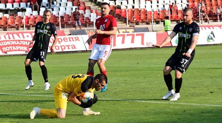 ЦСКА с трудни три точки срещу Ботев Враца