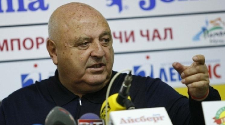 Венци Стефанов покани журналист на публичен диспут