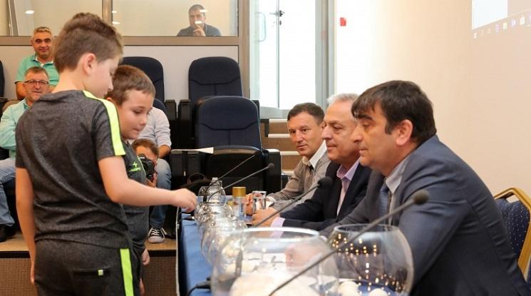 Теглят жребия за Купата на България в петък