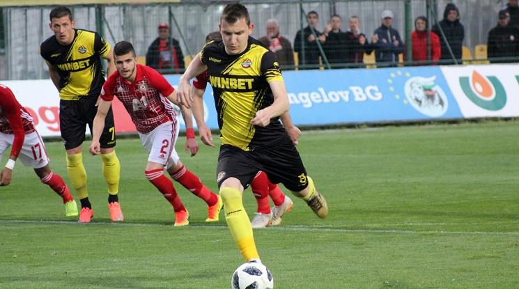 Тодор Неделев на линия за мача с ЦСКА