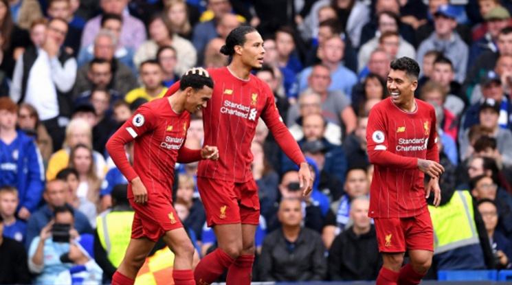 """Ливърпул победи Челси в оспорван мач на """"Стамфорд Бридж"""""""