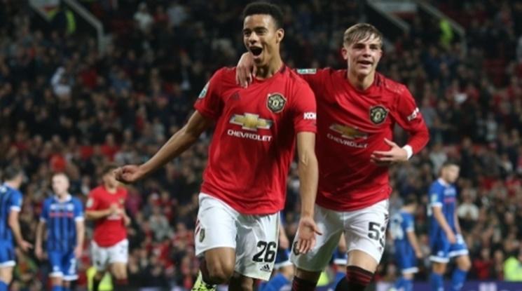 Кризата с контузиите на нападатели в Юнайтед продължава