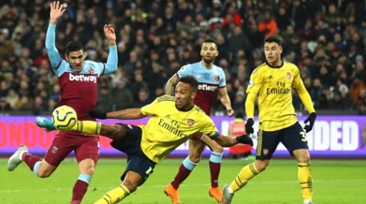 Арсенал излезе от черната серия след бой над чуковете (видео)