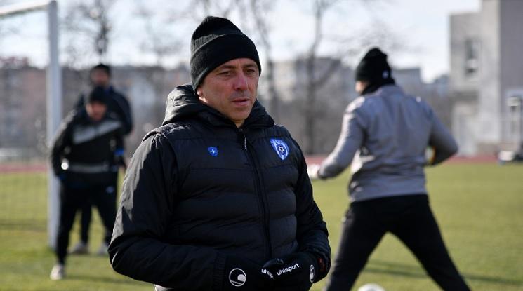 Илиан Илиев: Търсим играчи, но е трудно в момента