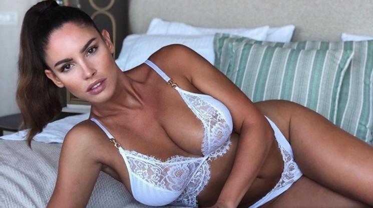 Яворчекова стана еротичен модел
