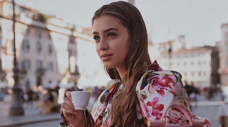 Ослепителена актриса е новата любов на халф на Рома