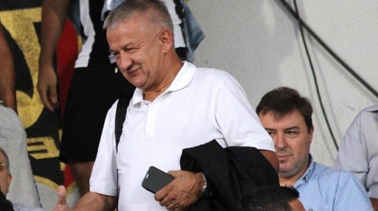 Крушарски призова БФС да вземе решение