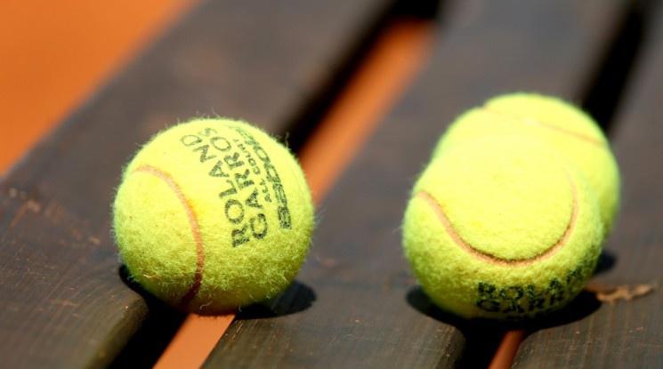 Край на груповото обучение по тенис заради коронавируса