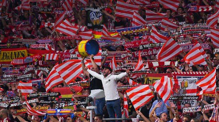Феновете в Испания все пак ще вземат участие в мачовете