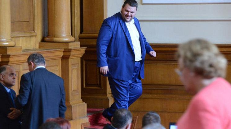 Делян Пеевски е дарил 500 000 лева на Левски