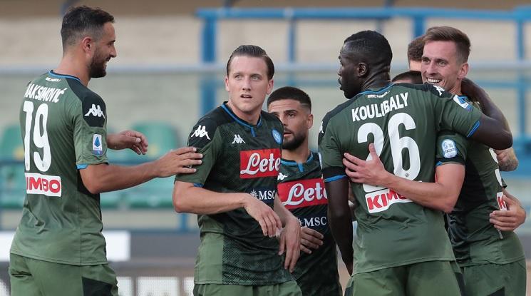 Наполи продължава победната си серия в Италия