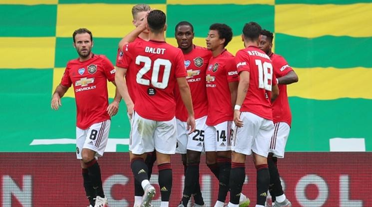 Юнайтед е на полуфинал за ФА след драма в продълженията срещу десет от Норич (видео)