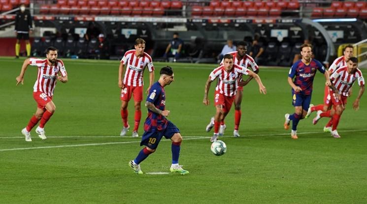 Барса и Атлетико Мадрид поделиха точки в дерби с три дузпи и автогол (видео)