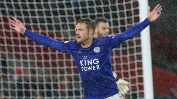 Късен гол на Варди донесе точка на Лестър срещу Арсенал (видео)