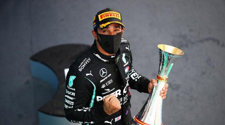 Люис Хамилтън спечели Гран при на Испания (видео)