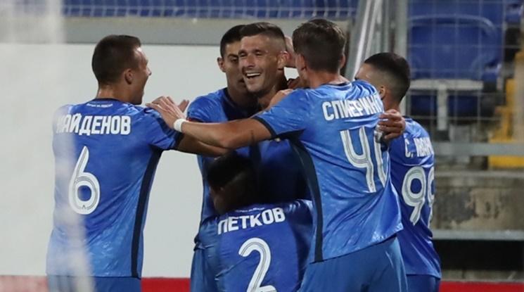 Левски се измъчи срещу Етър, но грабна трите точки