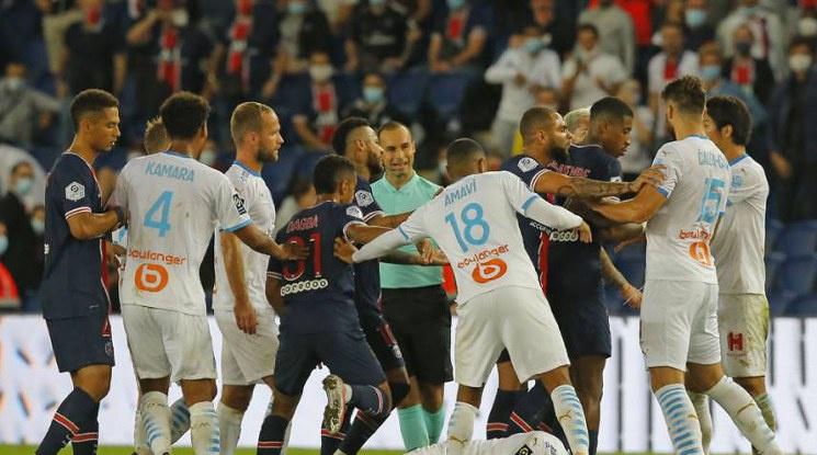 Марсилия излъга ПСЖ в дерби с пет червени картона (видео)