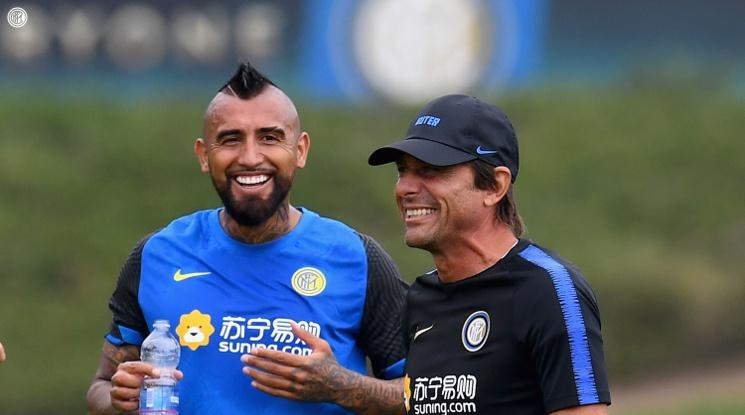 Интер обявиха трансфера на Артуро