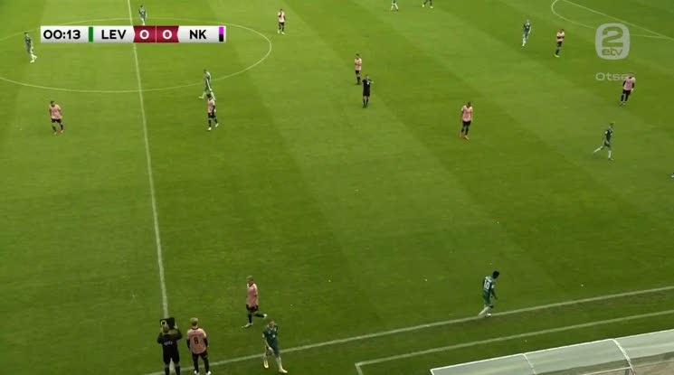 Халф на естонски отбор беше сменен в 13-ата секунда (видео)