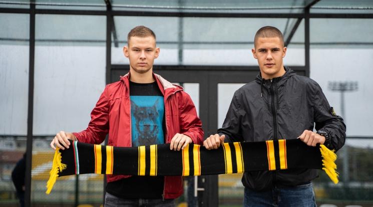 Ботев обвърза двама свои юноши с професионални договори