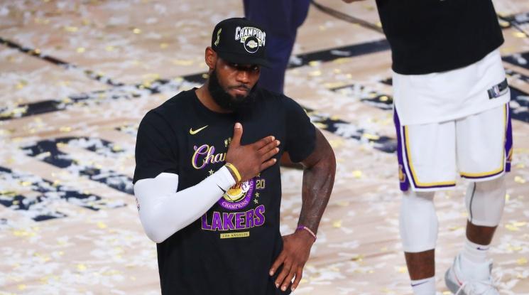 Лейкърс спечелиха титлата в НБА (видео)