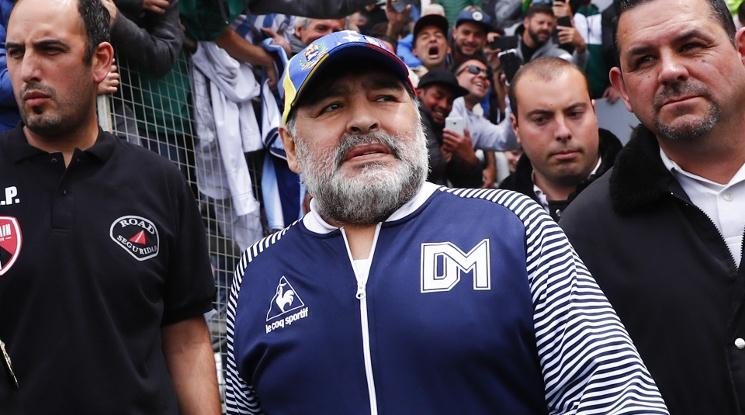 Диего Марадона е претърпял мозъчна операция