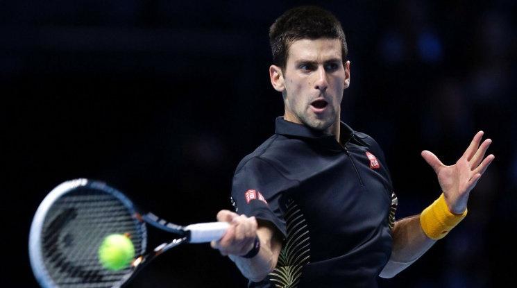 Джокович потегли с убедителна победа в Лондон