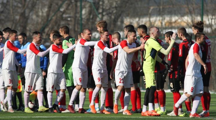 Пореден разпад в българския футбол! Един от най-добрите във Втора лига преустановява участието си
