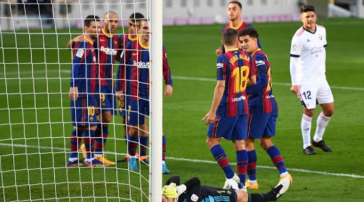 Барселона вкара четири на Осасуна, Меси посвети гола си на Марадона (видео)