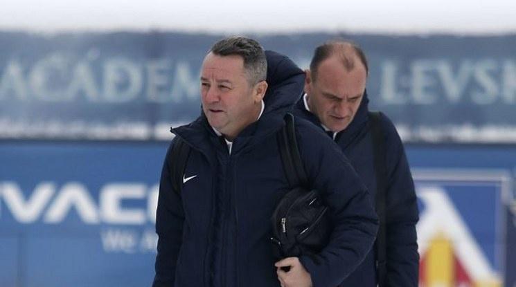Стоянович иска трансфери, Старокин напуска Левски