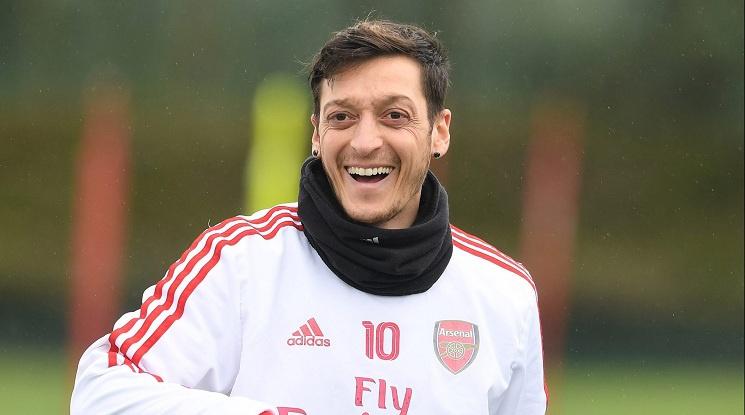 """""""Ако трябва да избирам между това да се откажа от футбола и да подпиша с Тотнъм, то веднага спирам"""""""