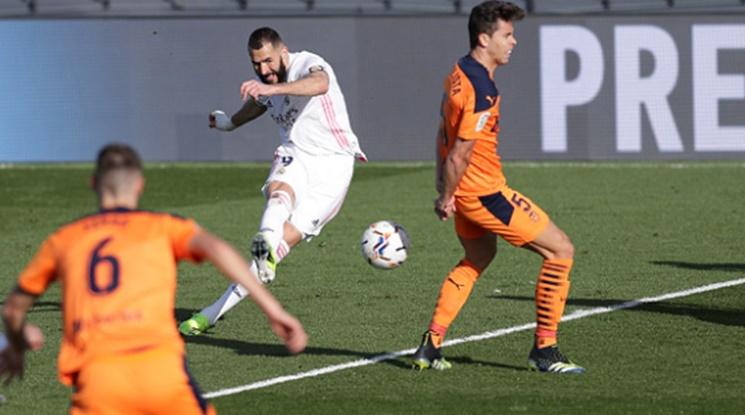 Реал Мадрид удари Валенсия, съкрати преднината на Атлетико (видео)