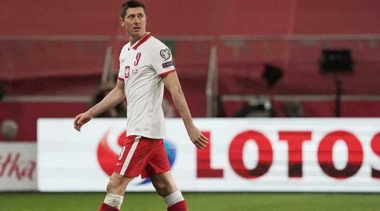 Левандовски няма да играе срещу Англия