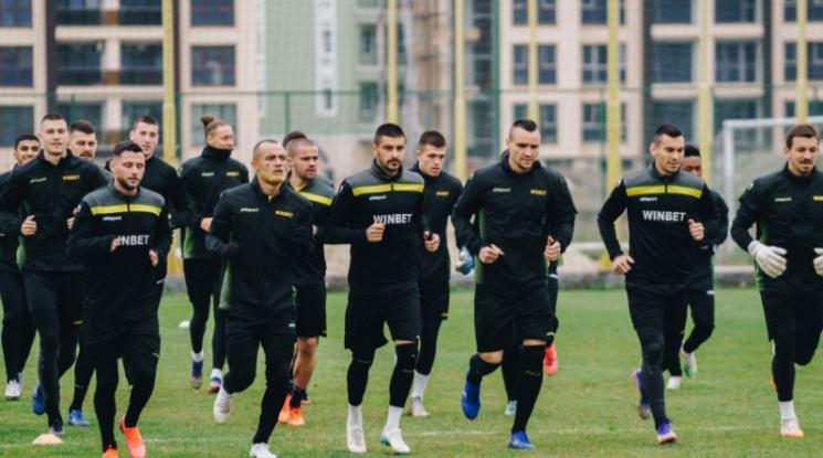 Двама футболисти на Ботев Пловдив с COVID-19