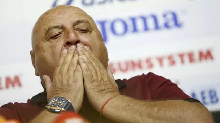 Венци Стефанов: Политиците е хубаво да стоят по-далеч от футбол