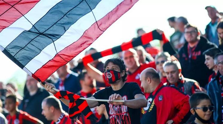 Локомотив София празнува завръщането си в елита