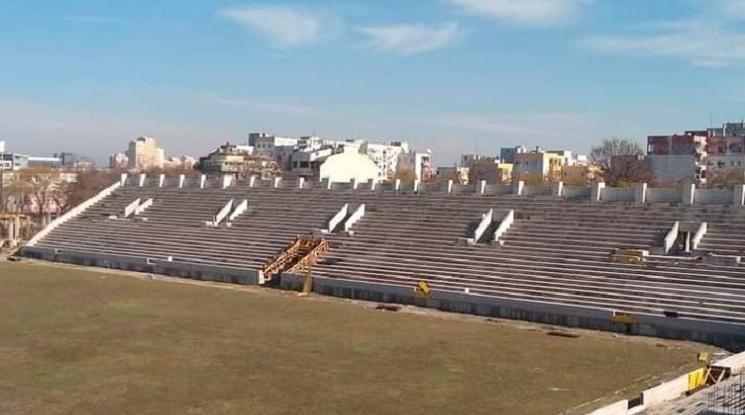 """Стадион """"Христо Ботев"""" ще има четири трибуни"""