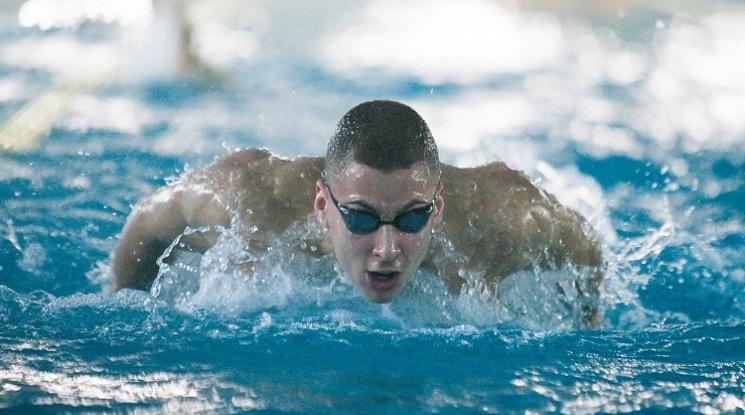 Миладинов се класира за финала на 100 метра бътерфлай на Европейското