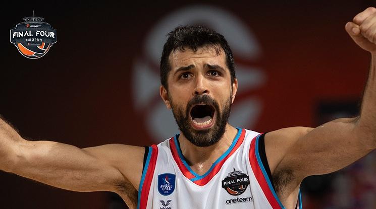 Анадолу Ефес е на финал в Евролигата след брутална битка с ЦСКА (видео)