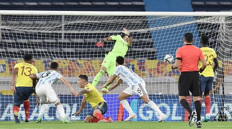 Колумбия и Аржентина не можаха да се победят в световна квалификация (видео)