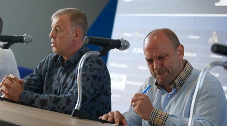 Тити Папазов увери, че Левски ще играе в Първа лига въпреки тежкото състояние на клуба