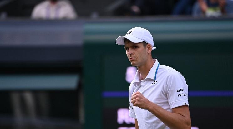 """Федерер с тежка загуба на """"Уимбълдън"""""""