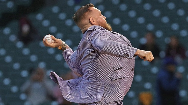 Конър Макгрегър стана за смях на бейзболен мач
